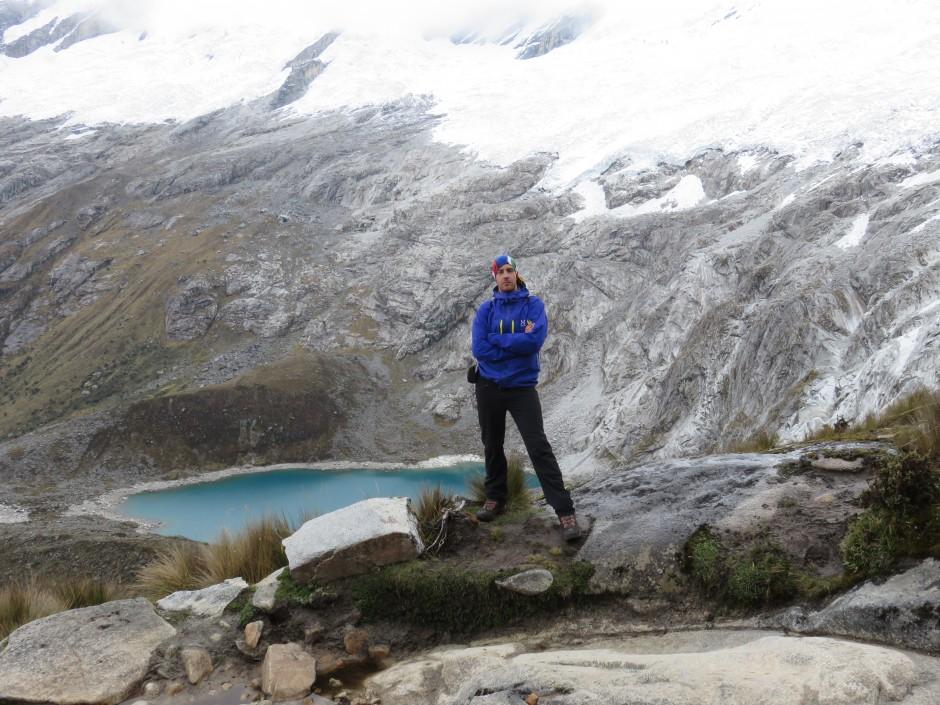 Lac et glacier près du col Punta Union