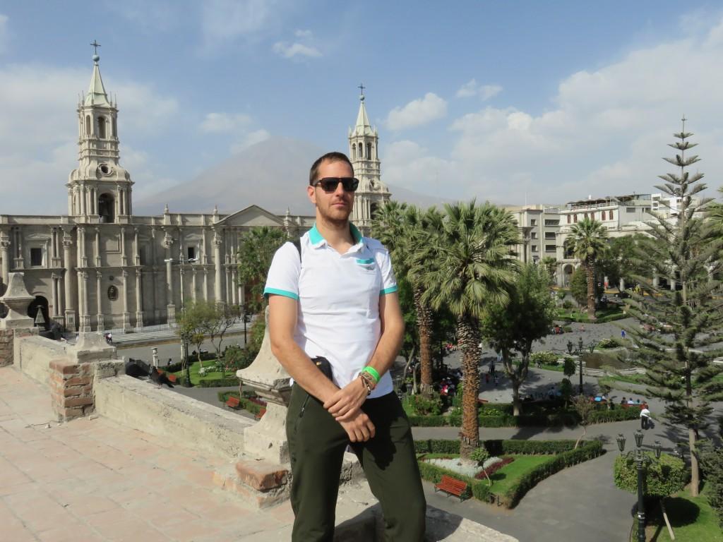 Plaza del Armas et El Misti au fond