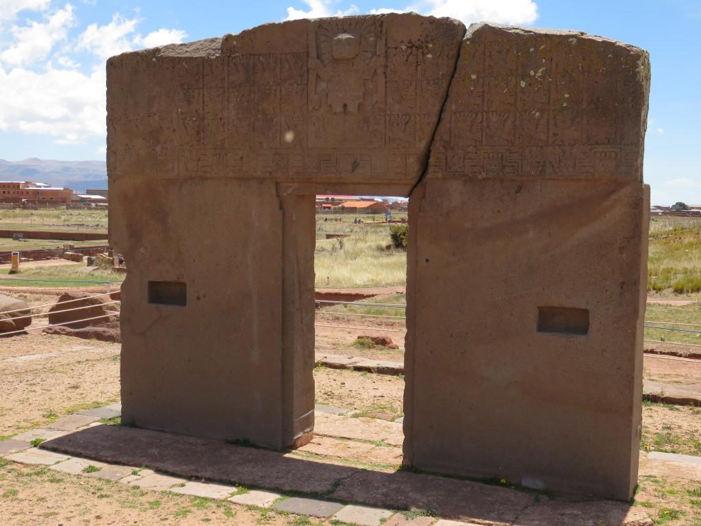 La porte du soleil sur le site de Tiwanaku